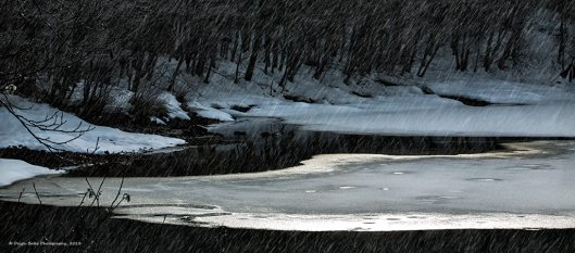 Snow_light_pond